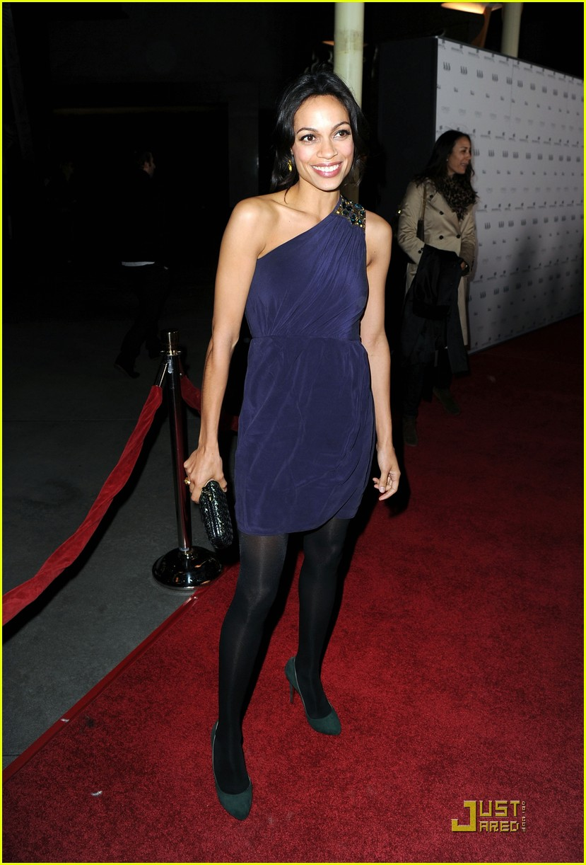rosario dawson malin akerman walk into a bar 09