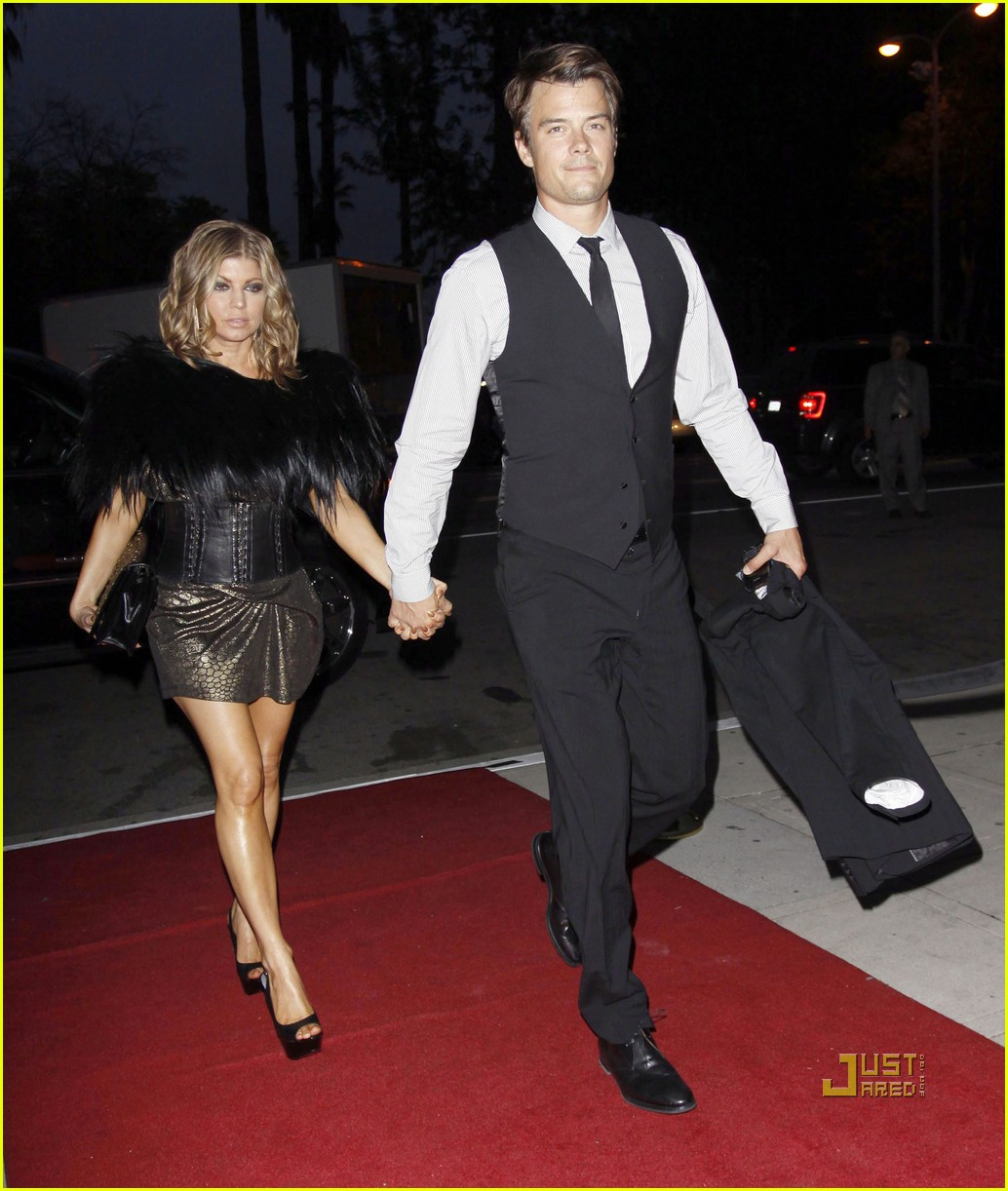 fergie josh duhamel friends wedding 02