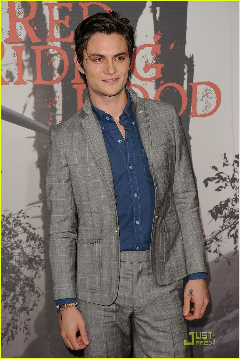 shiloh fernandez red riding hood premiere 05