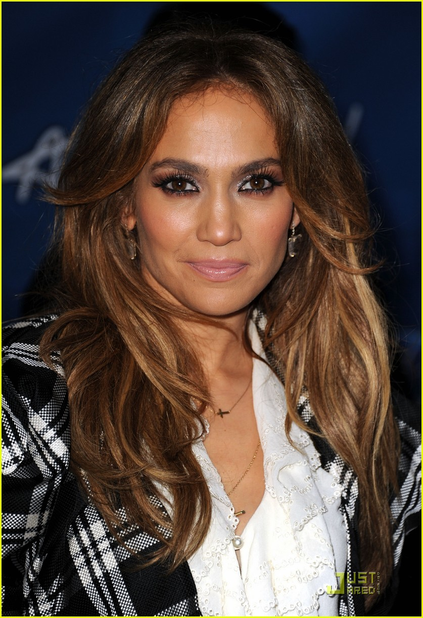 jennifer lopez american idol finalist party 03