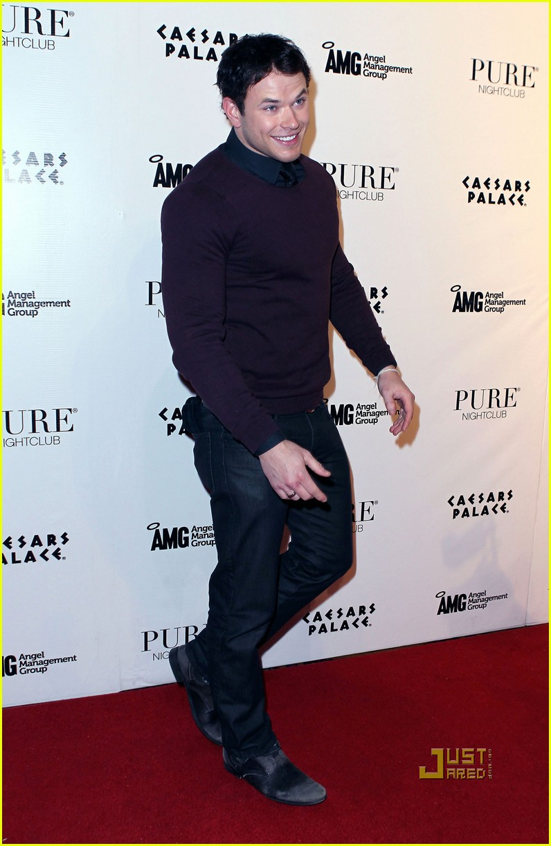 kellan lutz birthday pure nightclub 06