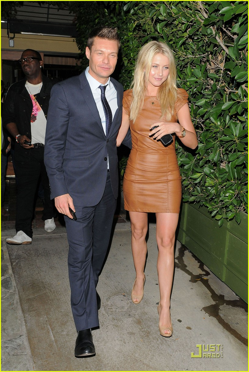 ryan seacrest julianne hough ago 04
