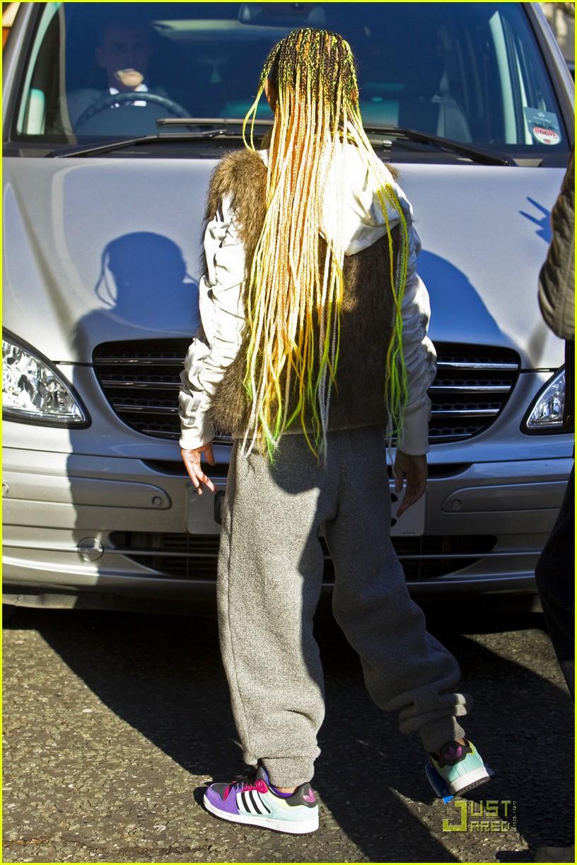 willow smith neon braids 04
