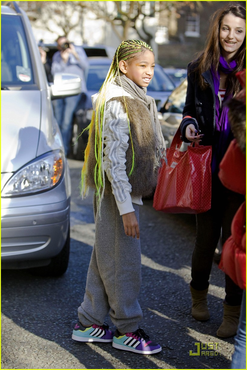willow smith neon braids 06