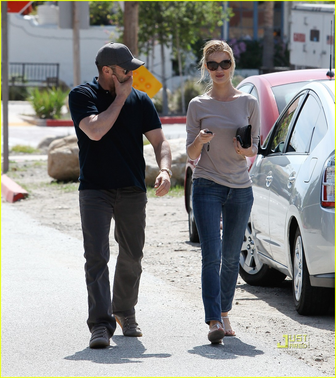 rosie huntington whiteley jason statham taverna 02