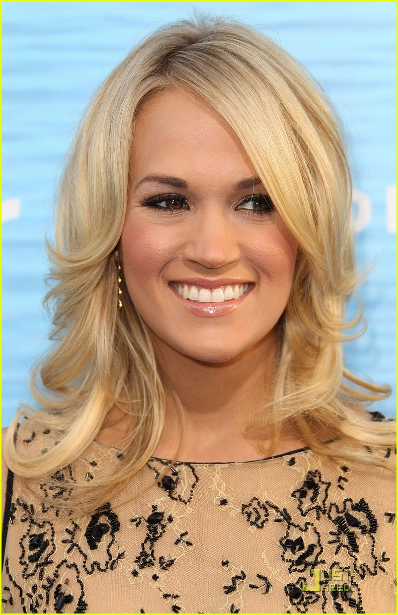 carrie underwood soul surfer premiere 05