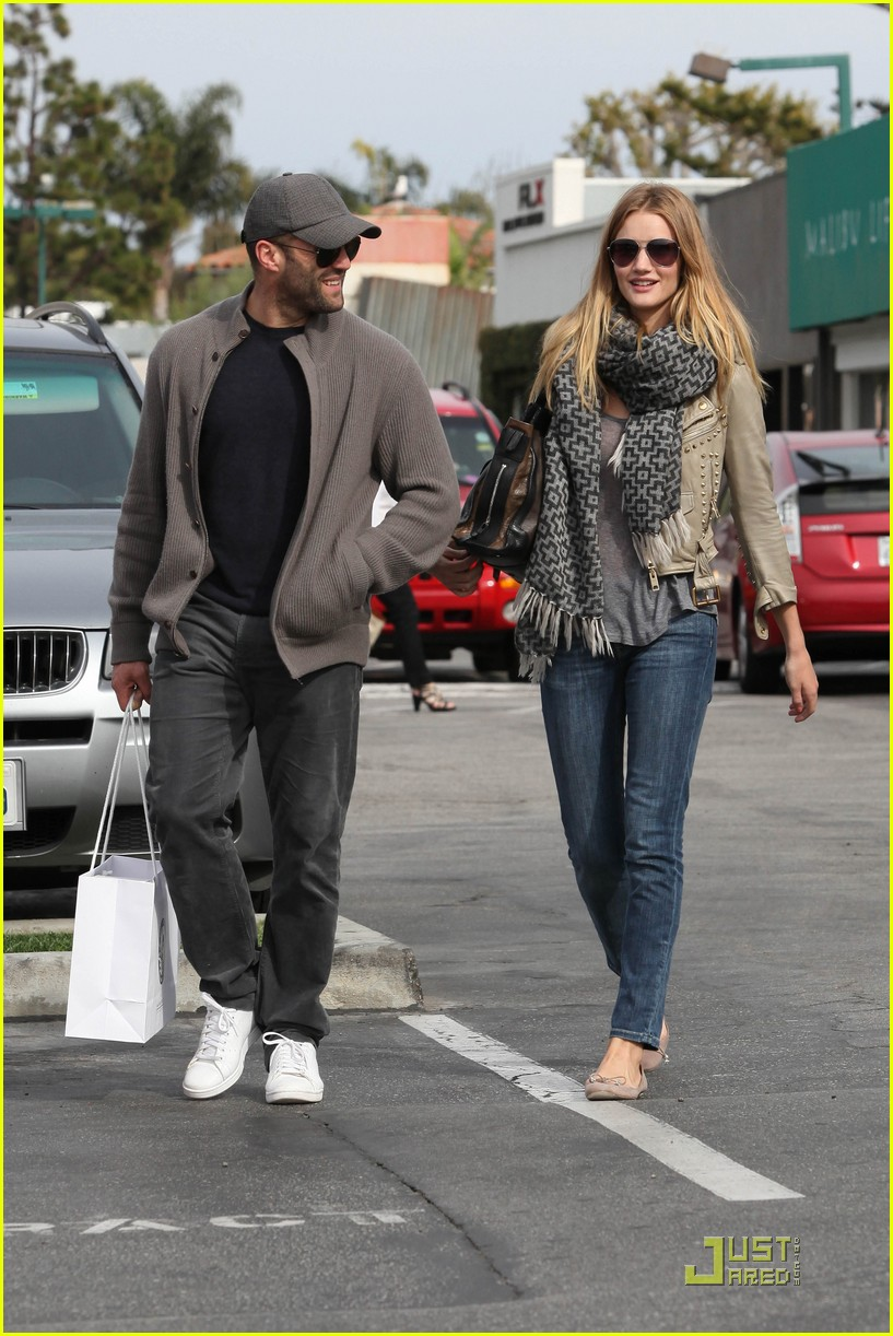 rosie huntington whiteley shopping day with jason statham 042528870