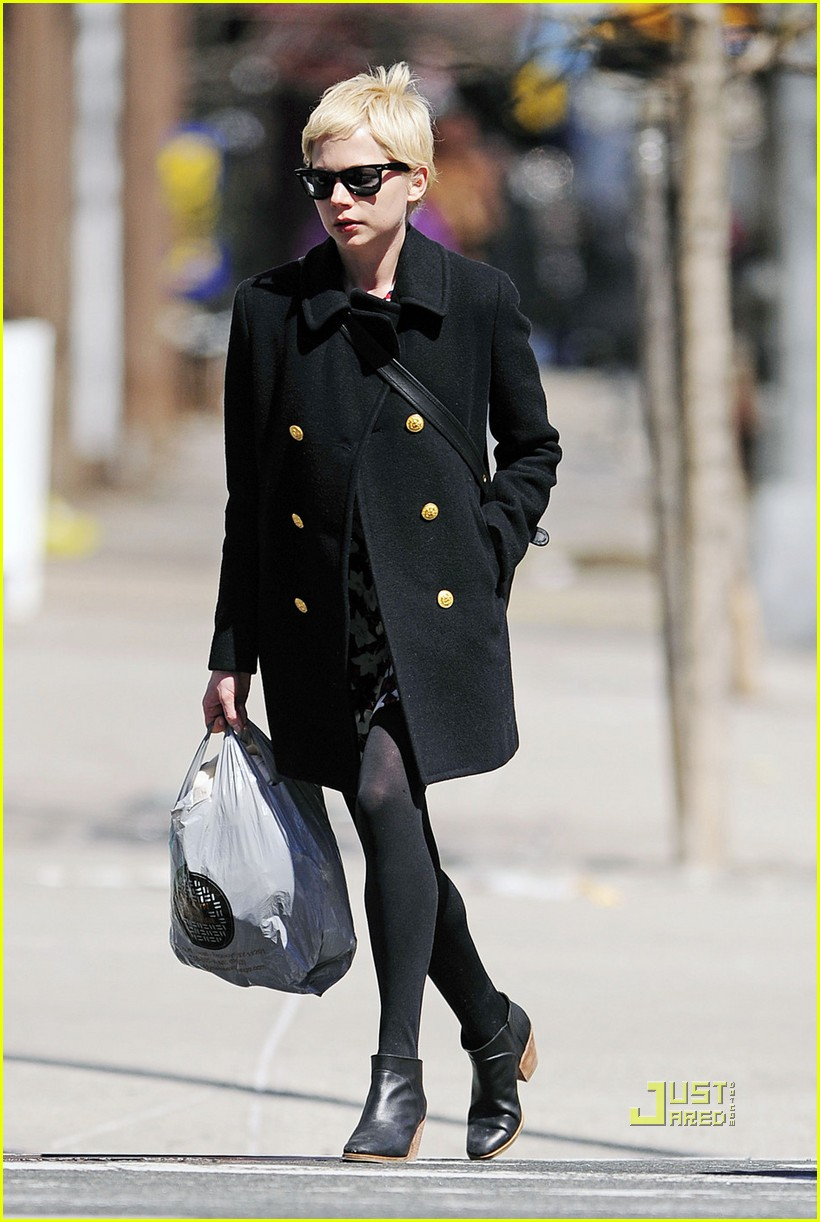 michelle williams peacoat shopping 02