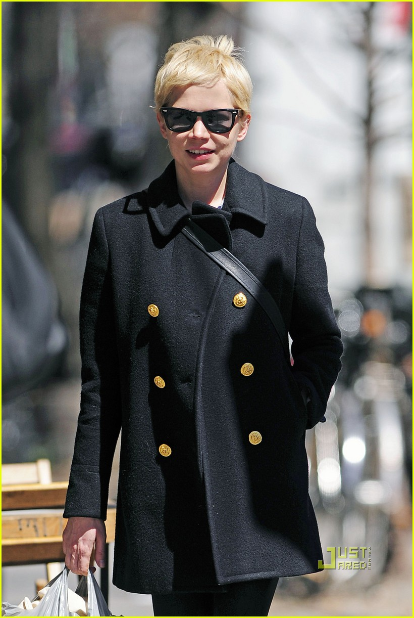 michelle williams peacoat shopping 03