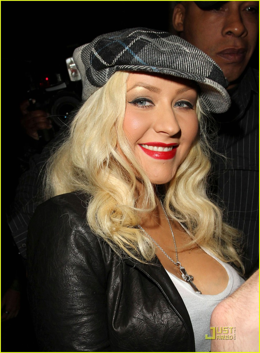 christina aguilera linda perry concert with matthew rutler 02