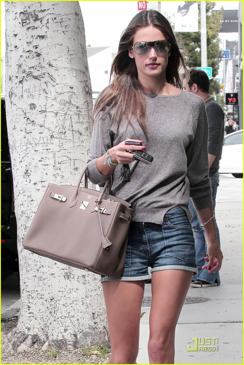 alessandra ambrosio lunch at the ivy 062533733