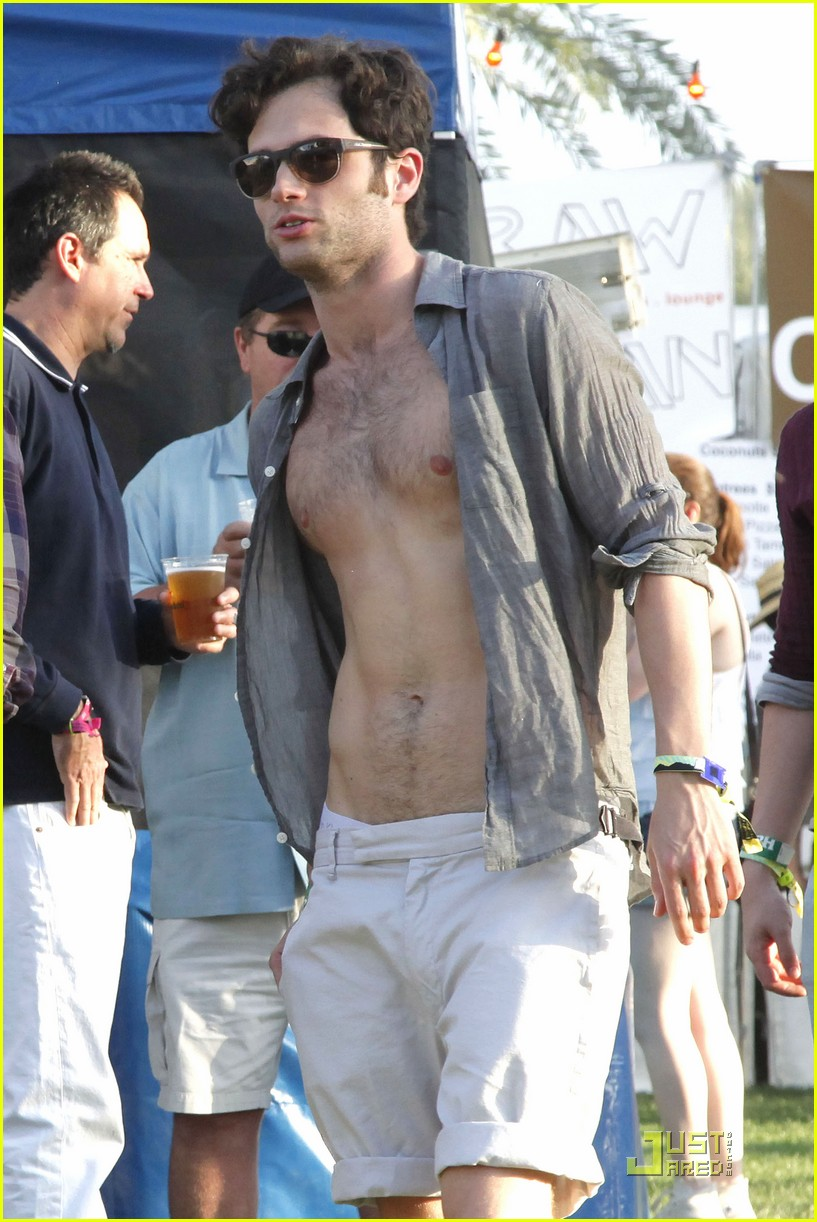 penn badgley shirtless coachella 04