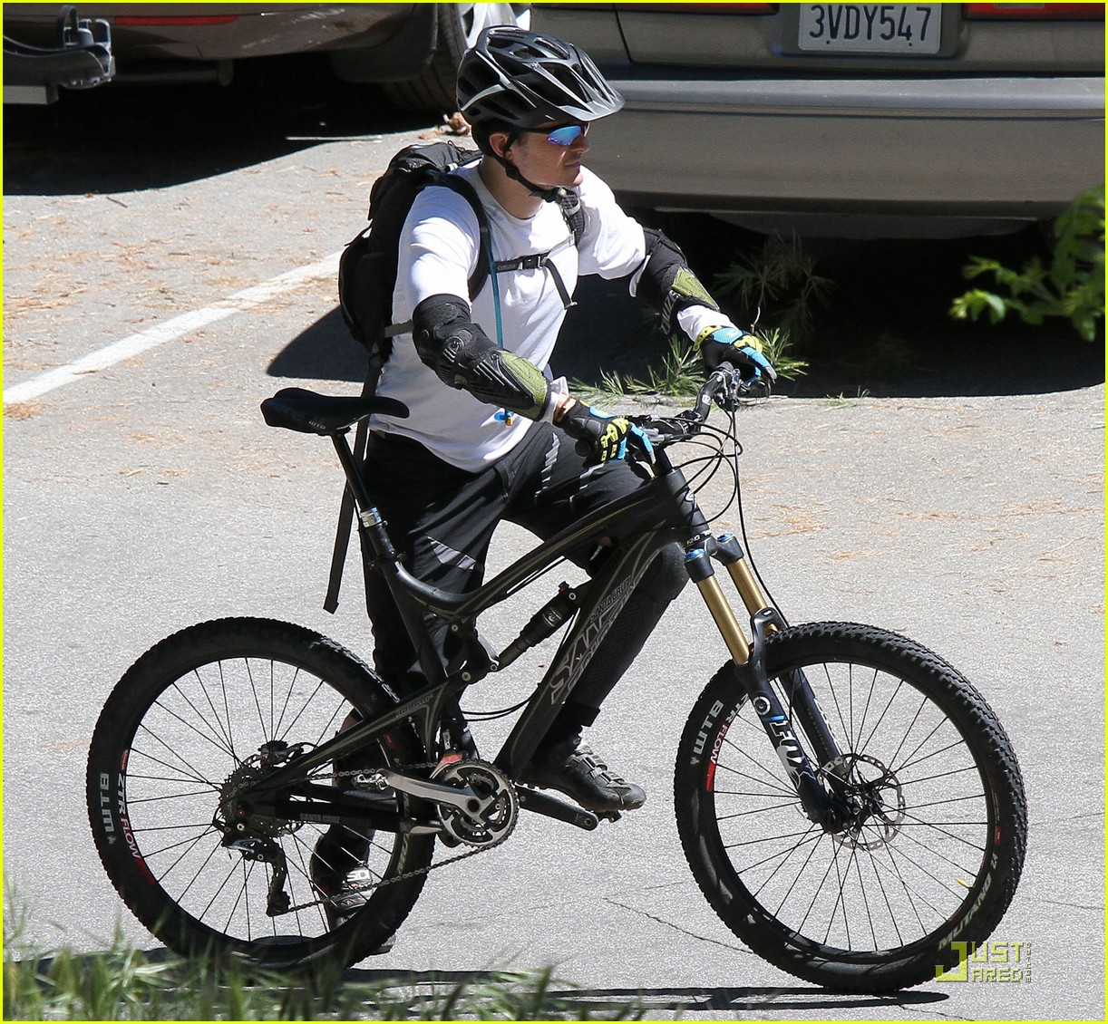 orlando bloom biking pasadena 02