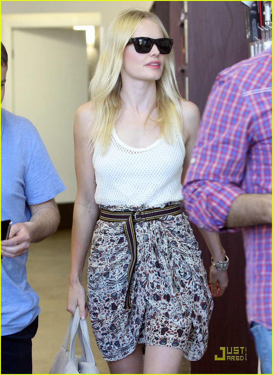 kate bosworth fun with friends 01