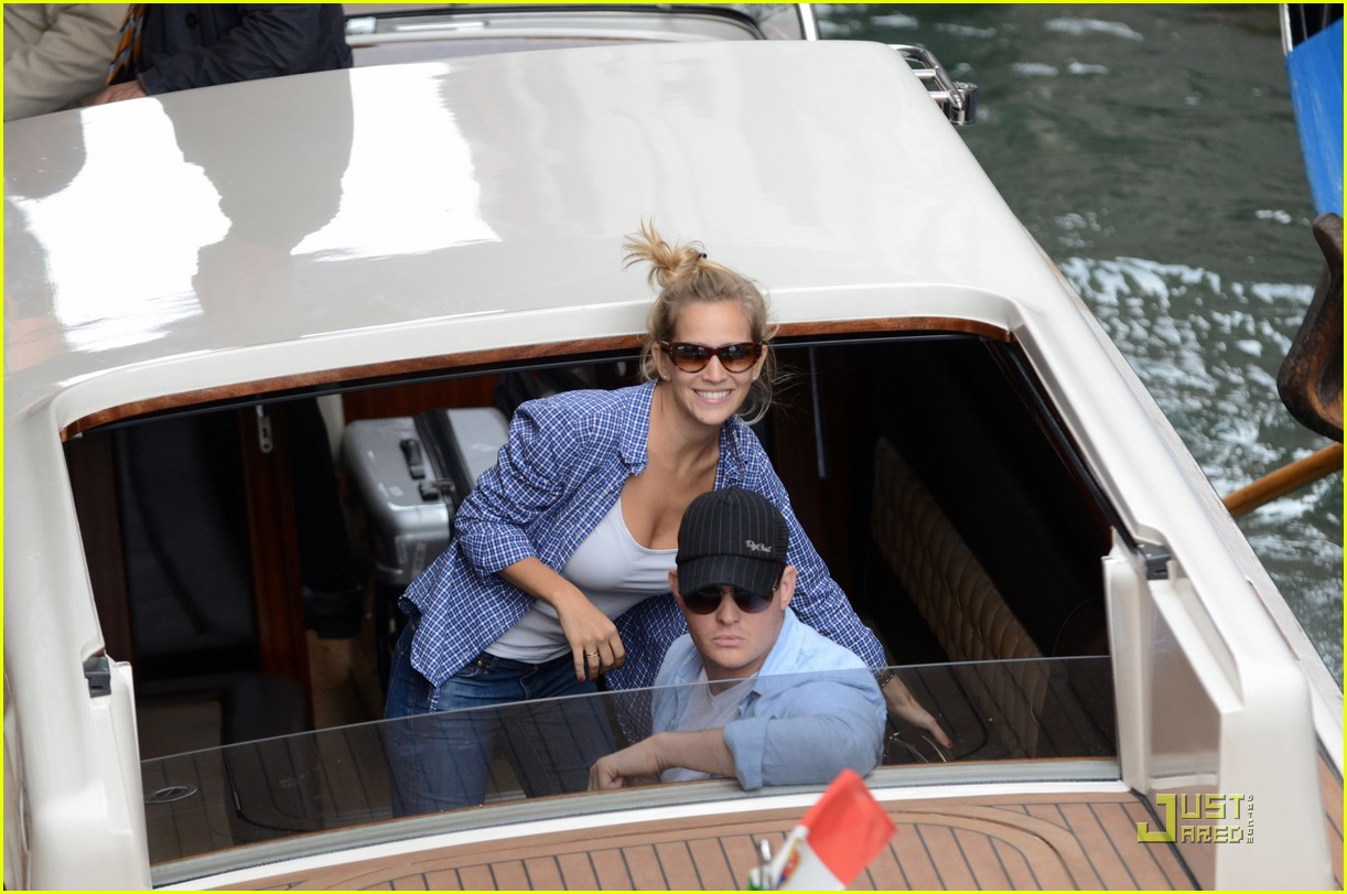 michael buble luisana lopilato venice vacation 03