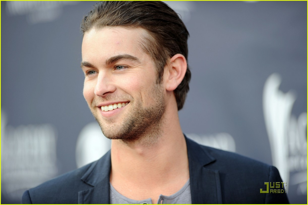 brooklyn decker acm awards chace crawford 01