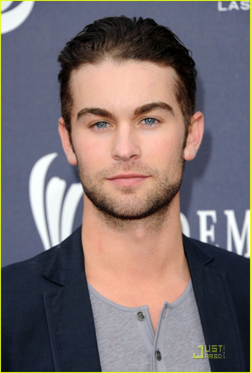 brooklyn decker acm awards chace crawford 18