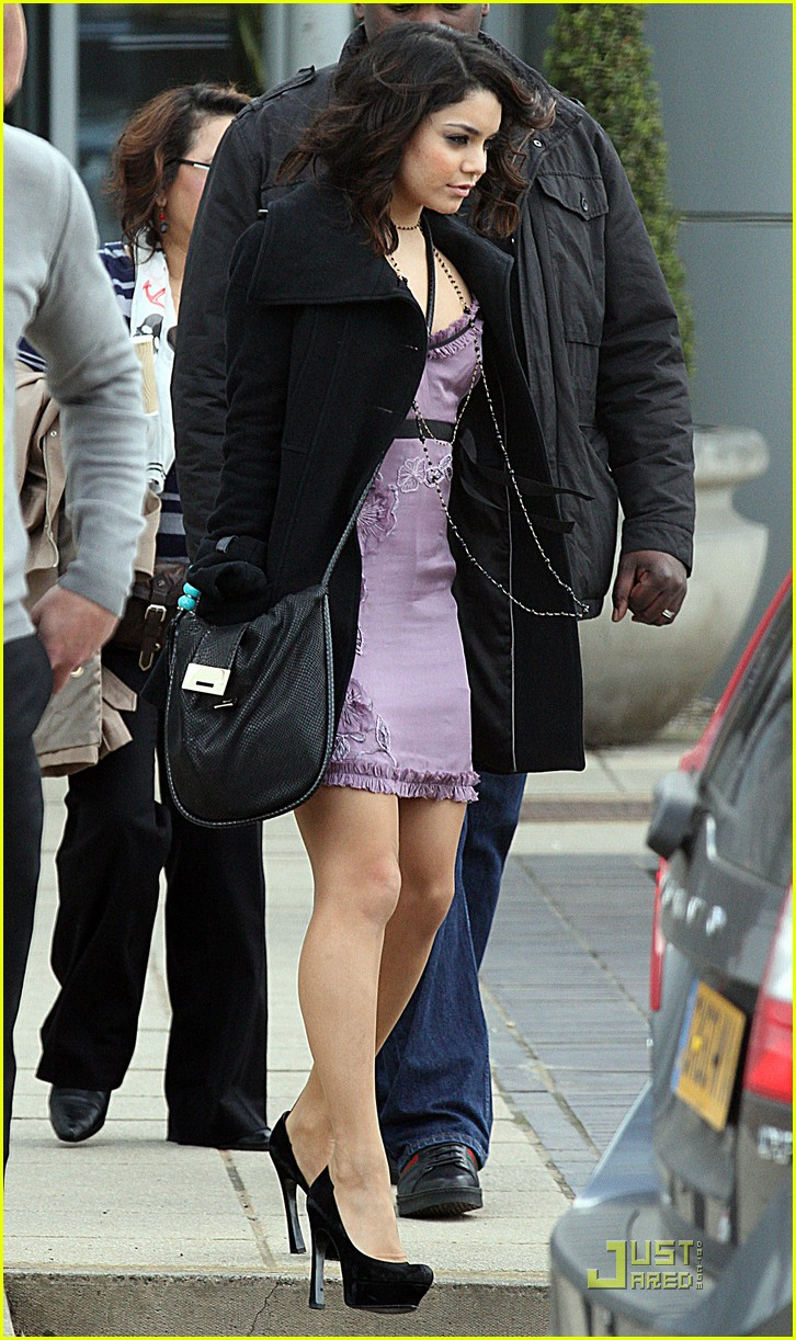 vanessa hudgens around londonmytext06