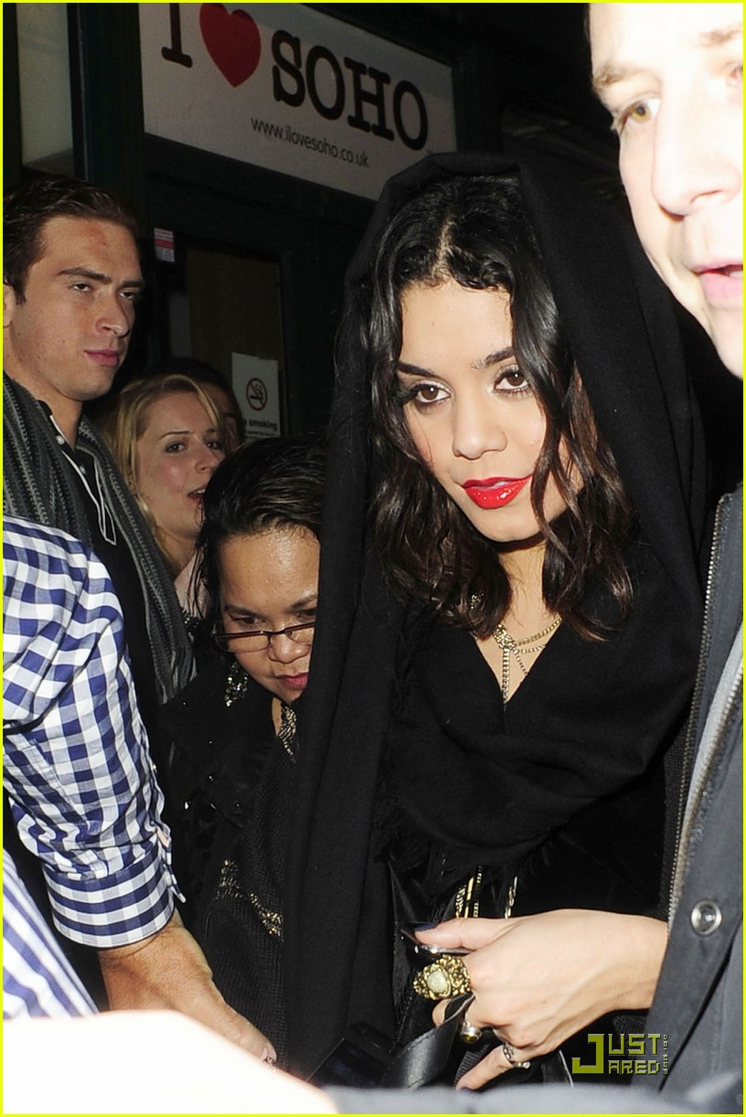 vanessa hudgens loves london 06
