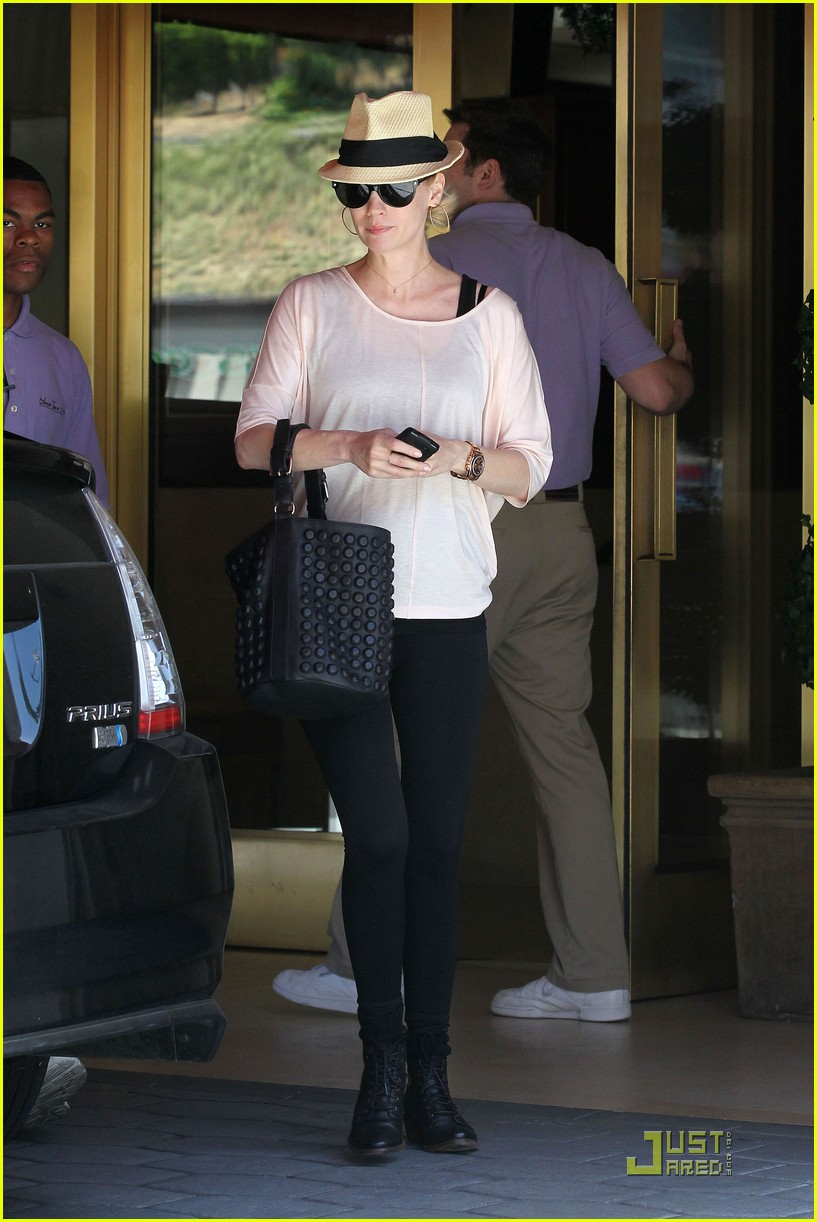 january jones lunch hotel 01