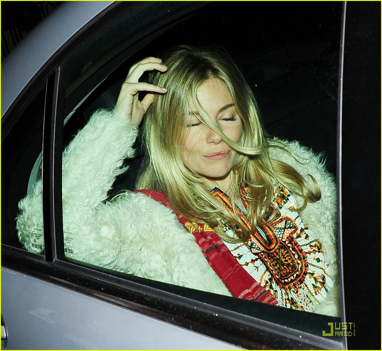 sienna miller still suing tabloid 11