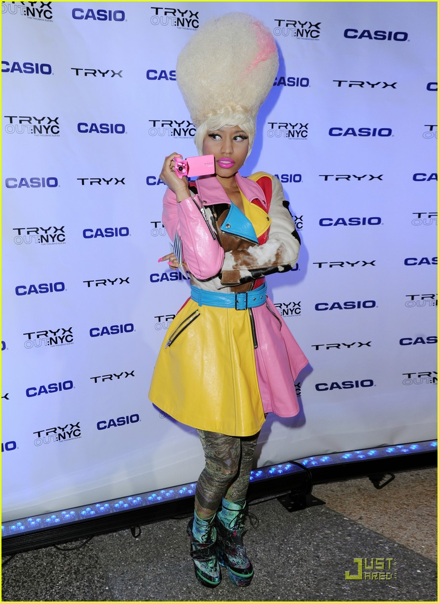 nicki minaj tryx out kickoff party 02