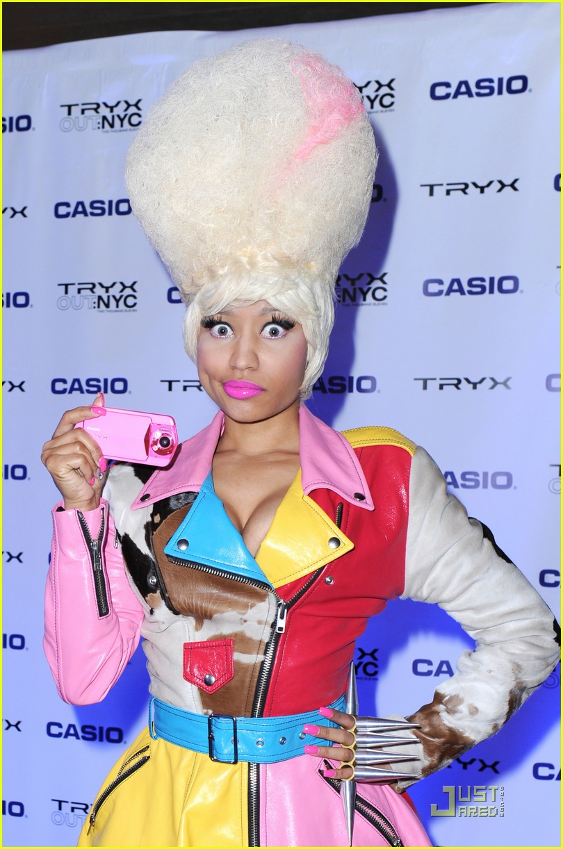 nicki minaj tryx out kickoff party 11