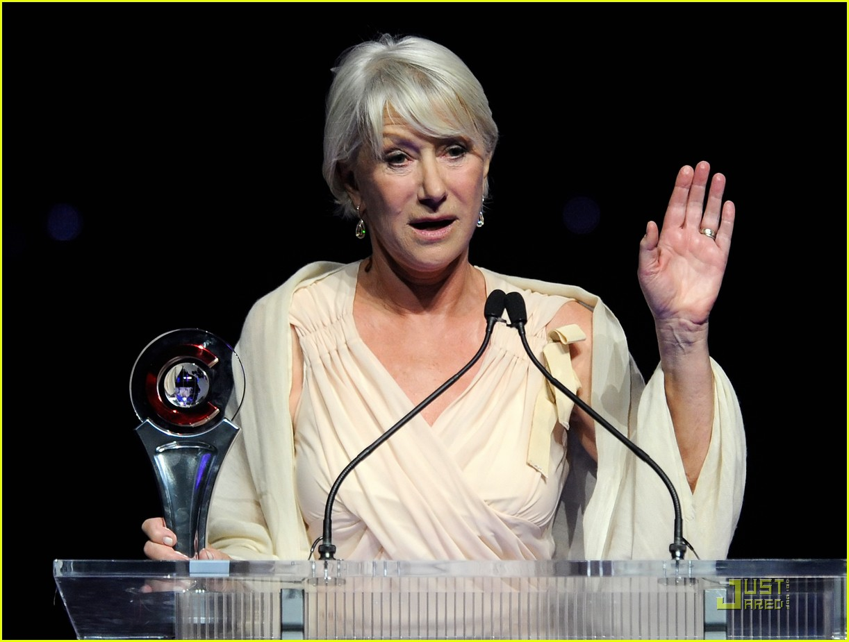 helen mirren russell brand cinemacon awards 2011 06