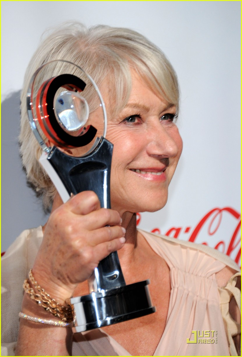 helen mirren russell brand cinemacon awards 2011 13