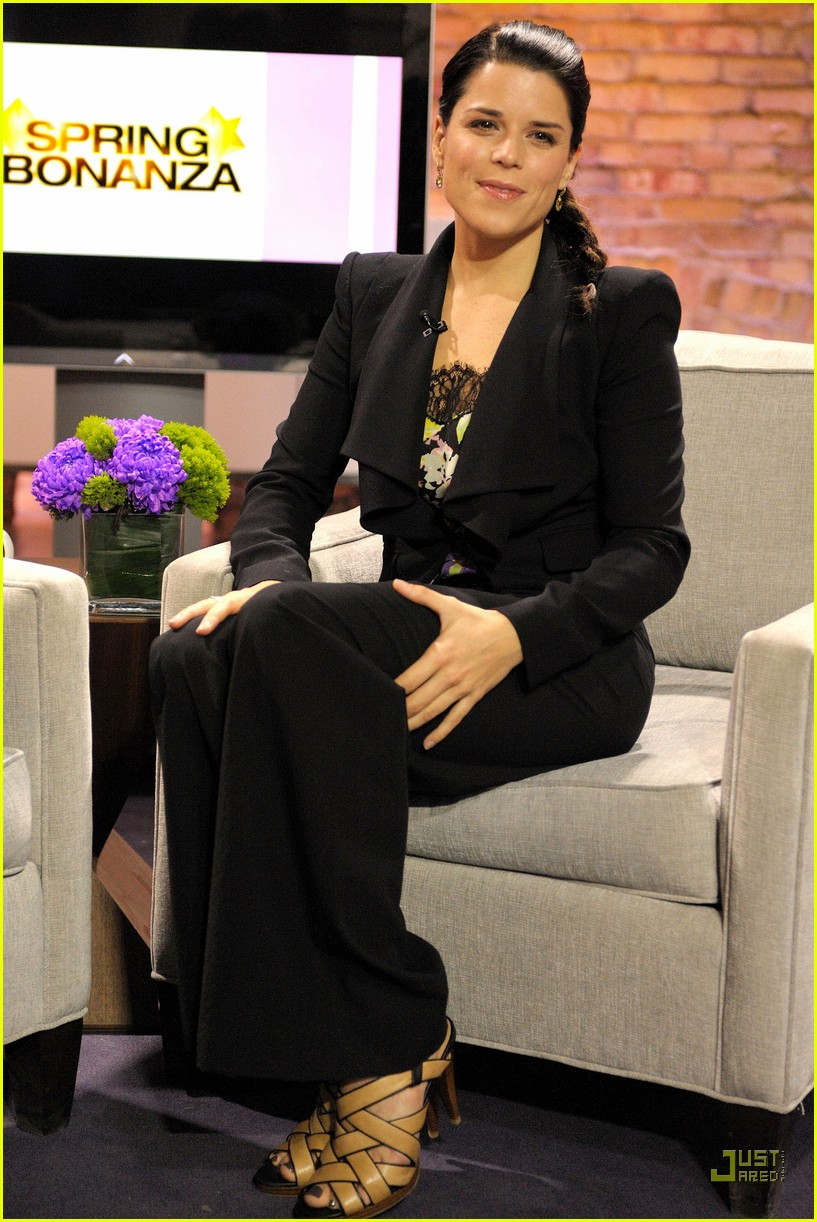 neve campbell marilyn denis show 04
