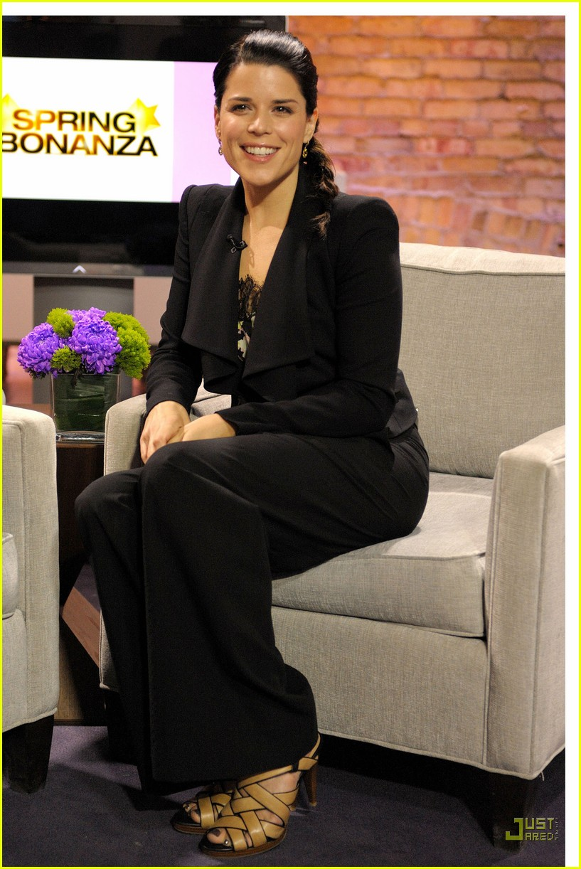 neve campbell marilyn denis show 06