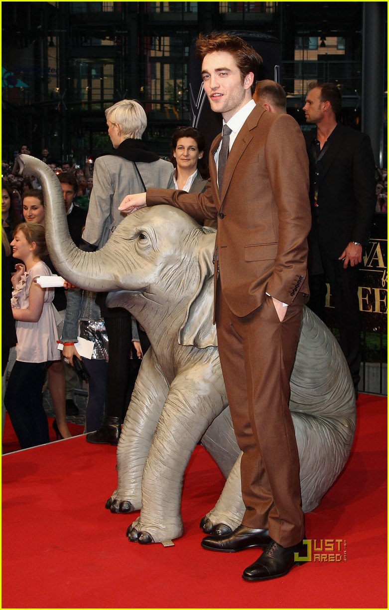 robert pattinson water for elephants premiere berlin 06