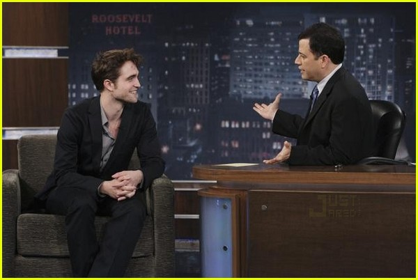 robert pattinson jimmy kimmel live 01