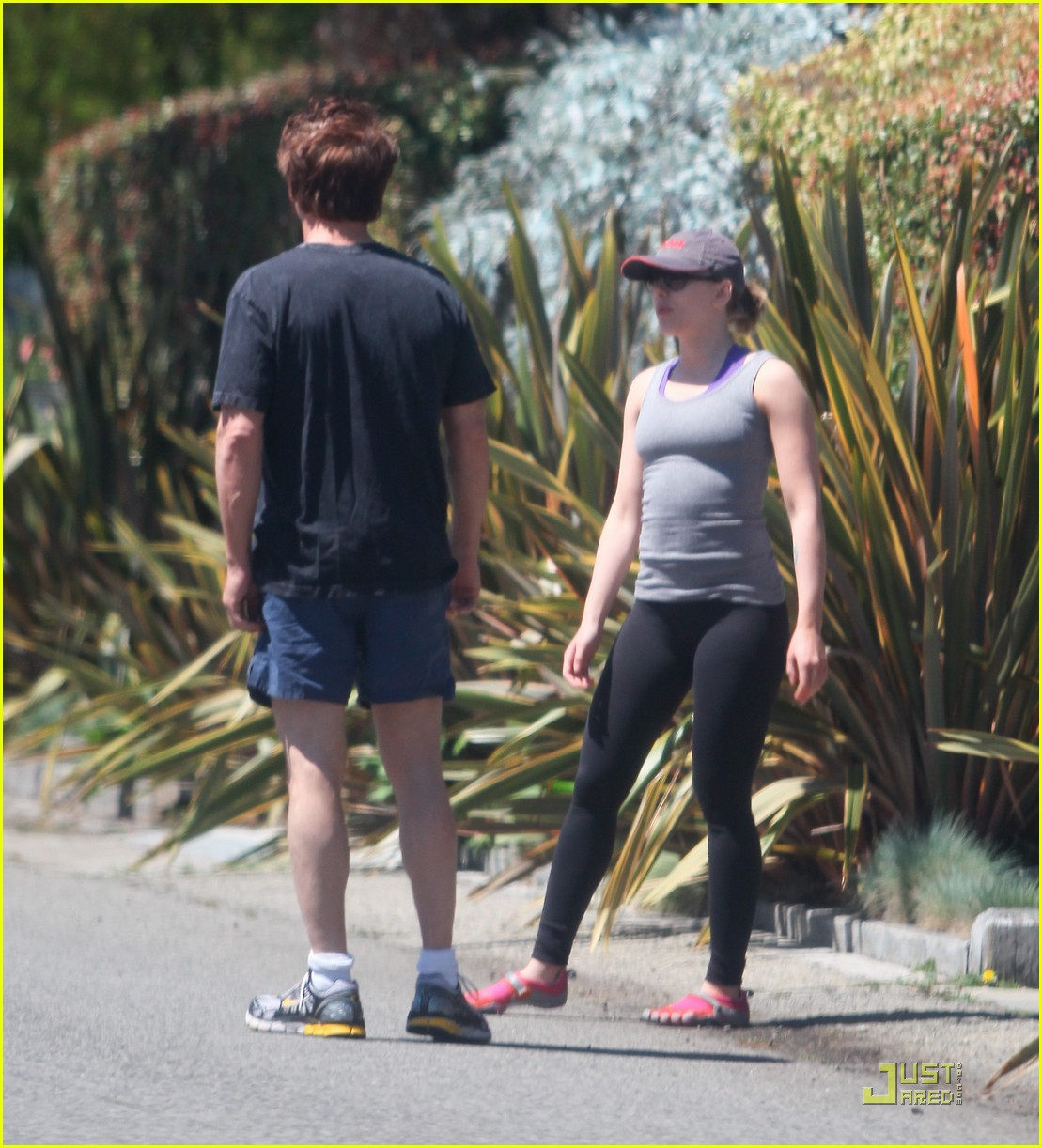 sean penn scarlett johansson jogging 11