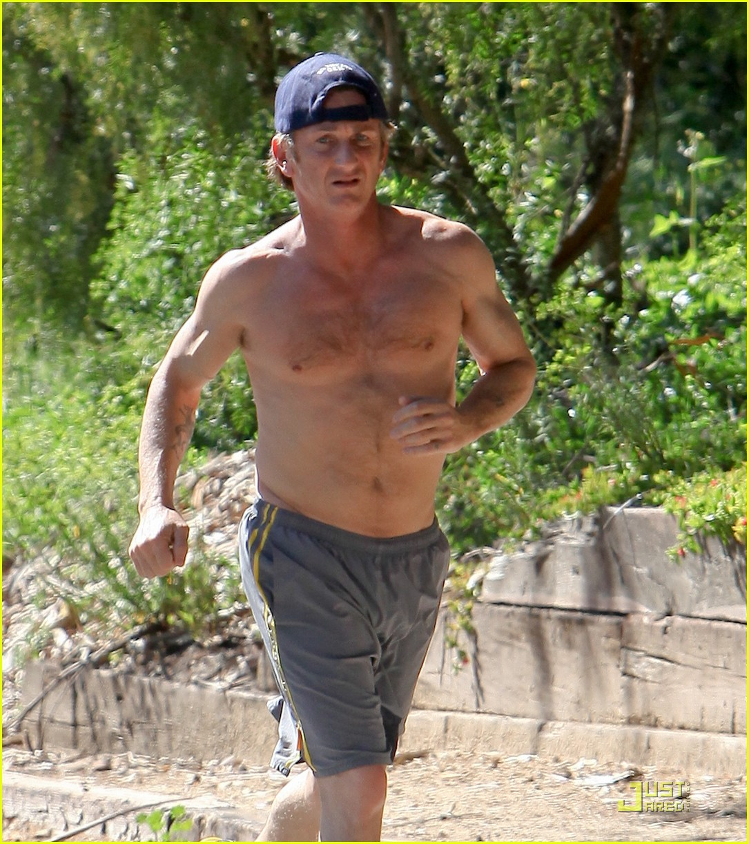 sean penn shirtless jogging 15