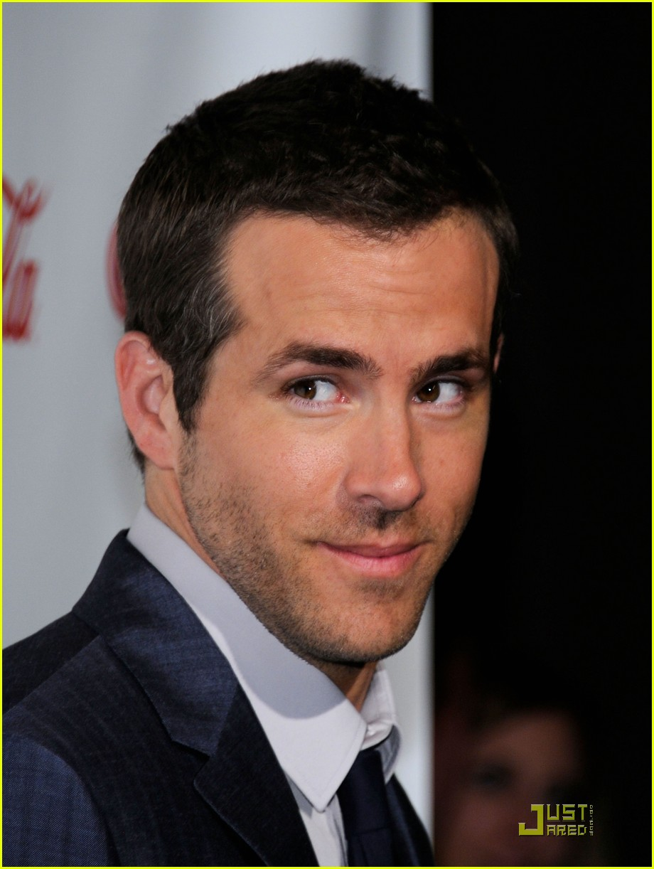 ryan reynolds cinemacon awards 2011 02