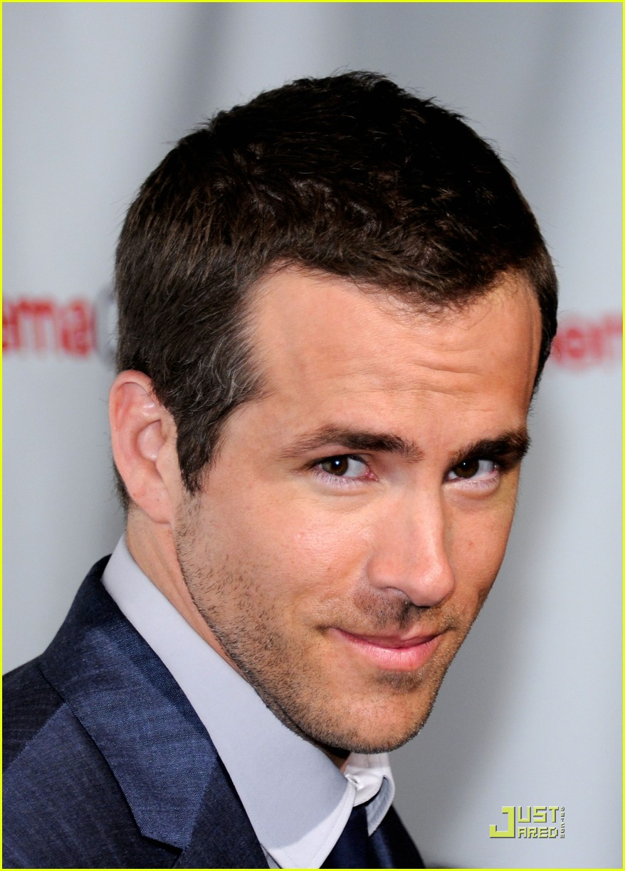 ryan reynolds cinemacon awards 2011 08