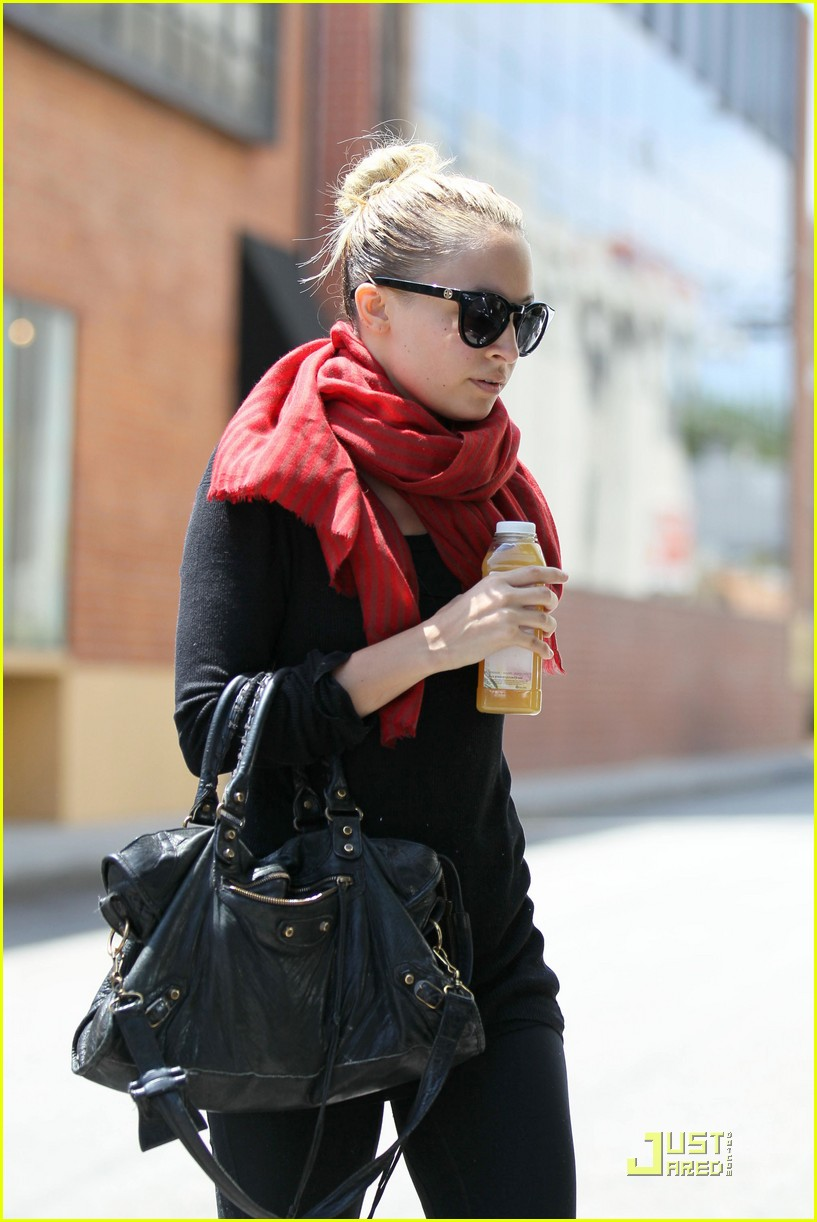 nicole richie workout woman 15