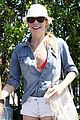 leanne rimes holding hands 14