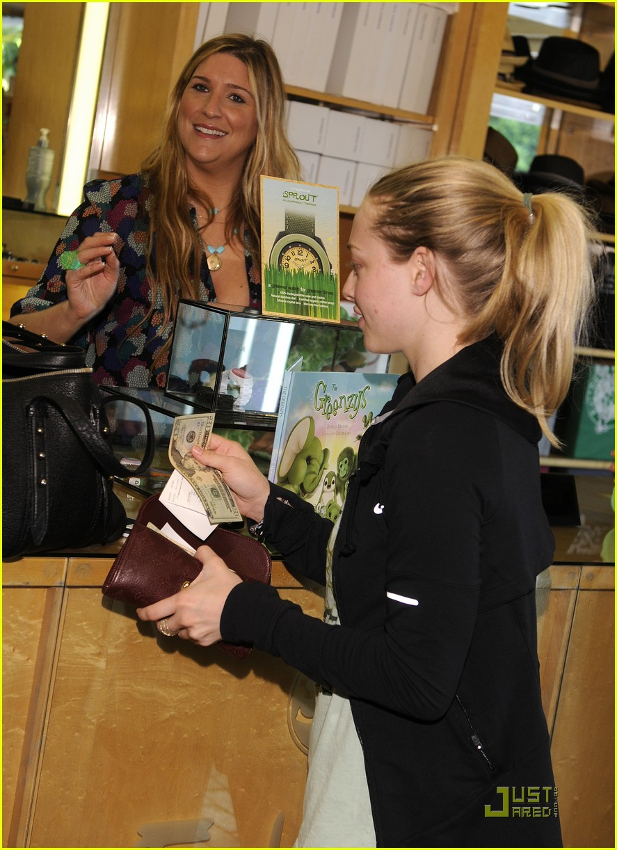amanda seyfried greenzys earth day celebration 12