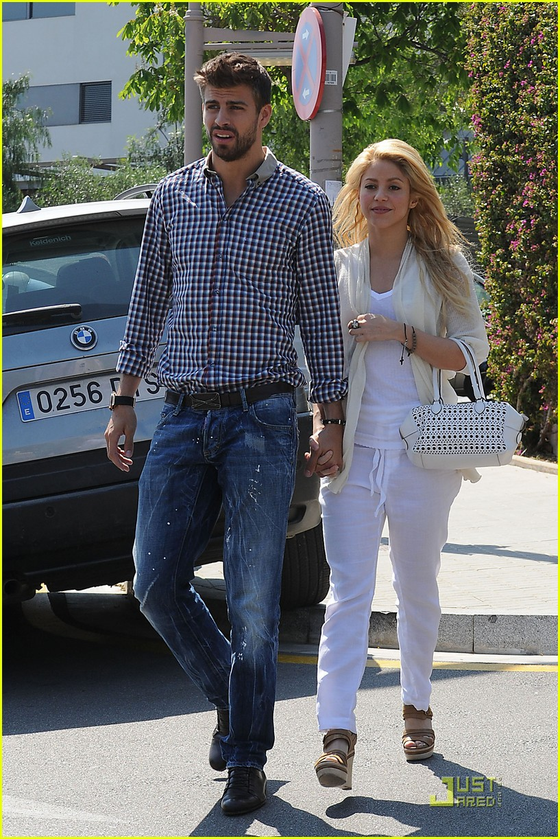 shakira gerard pique lunch lovers 09