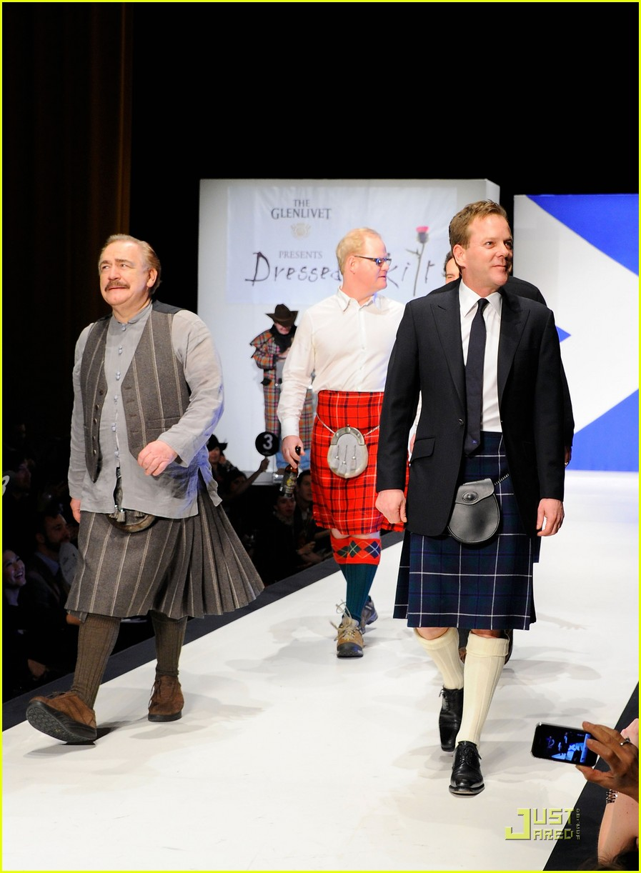 kiefer sutherland dressed to kilt 18