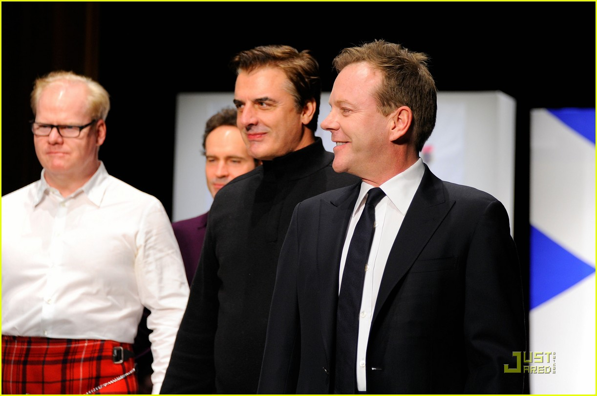 kiefer sutherland dressed to kilt 22