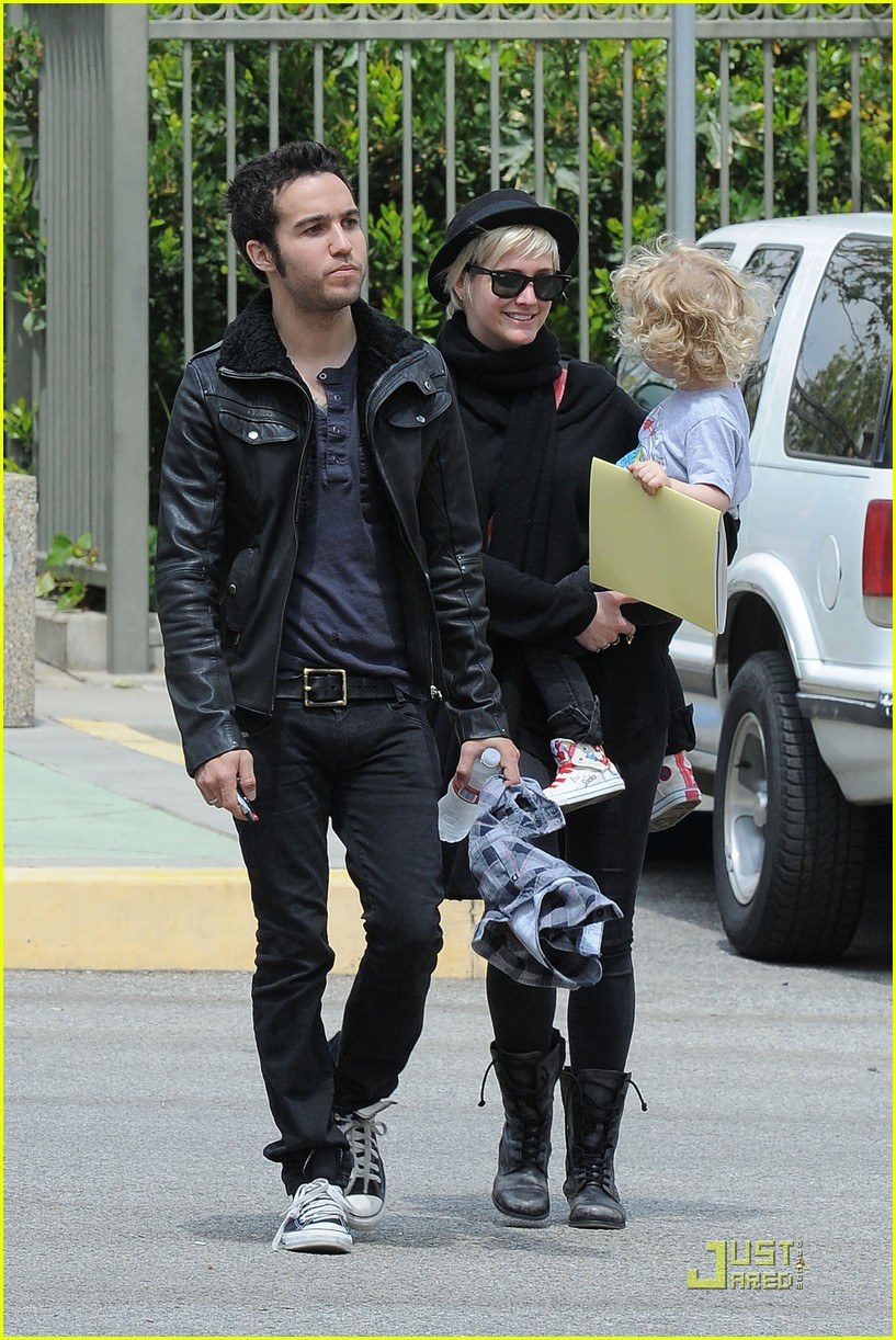 pete wentz ashlee simpson bronx train 15