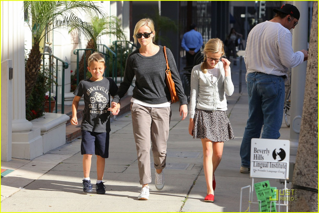 reese witherspoon kids doctormytext032535596