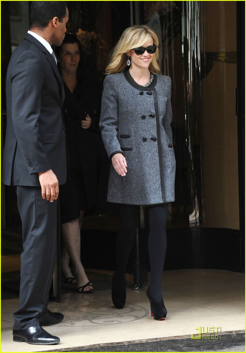 reese witherspoon paris hotel 02