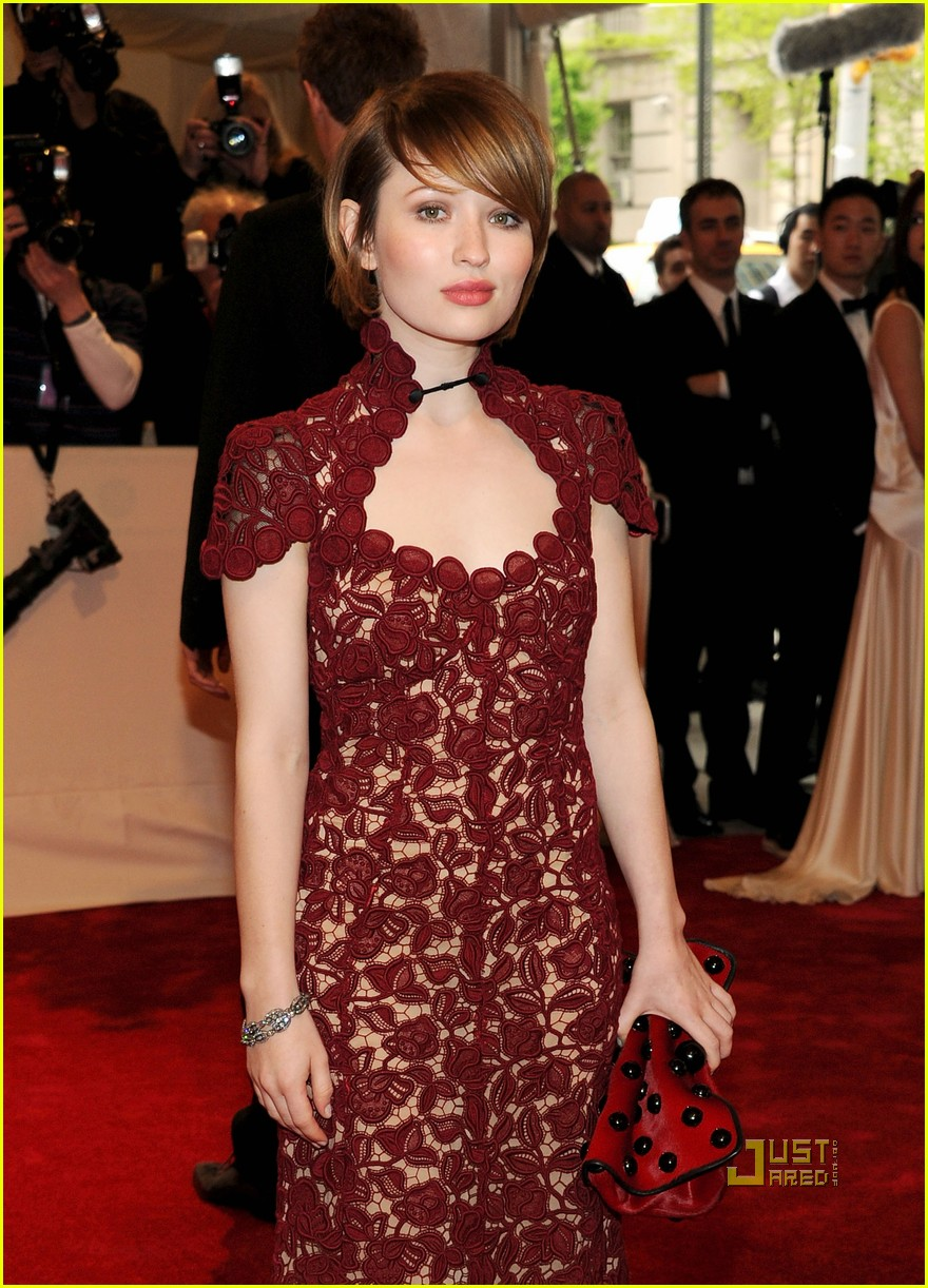 emily browning met ball 2011 10
