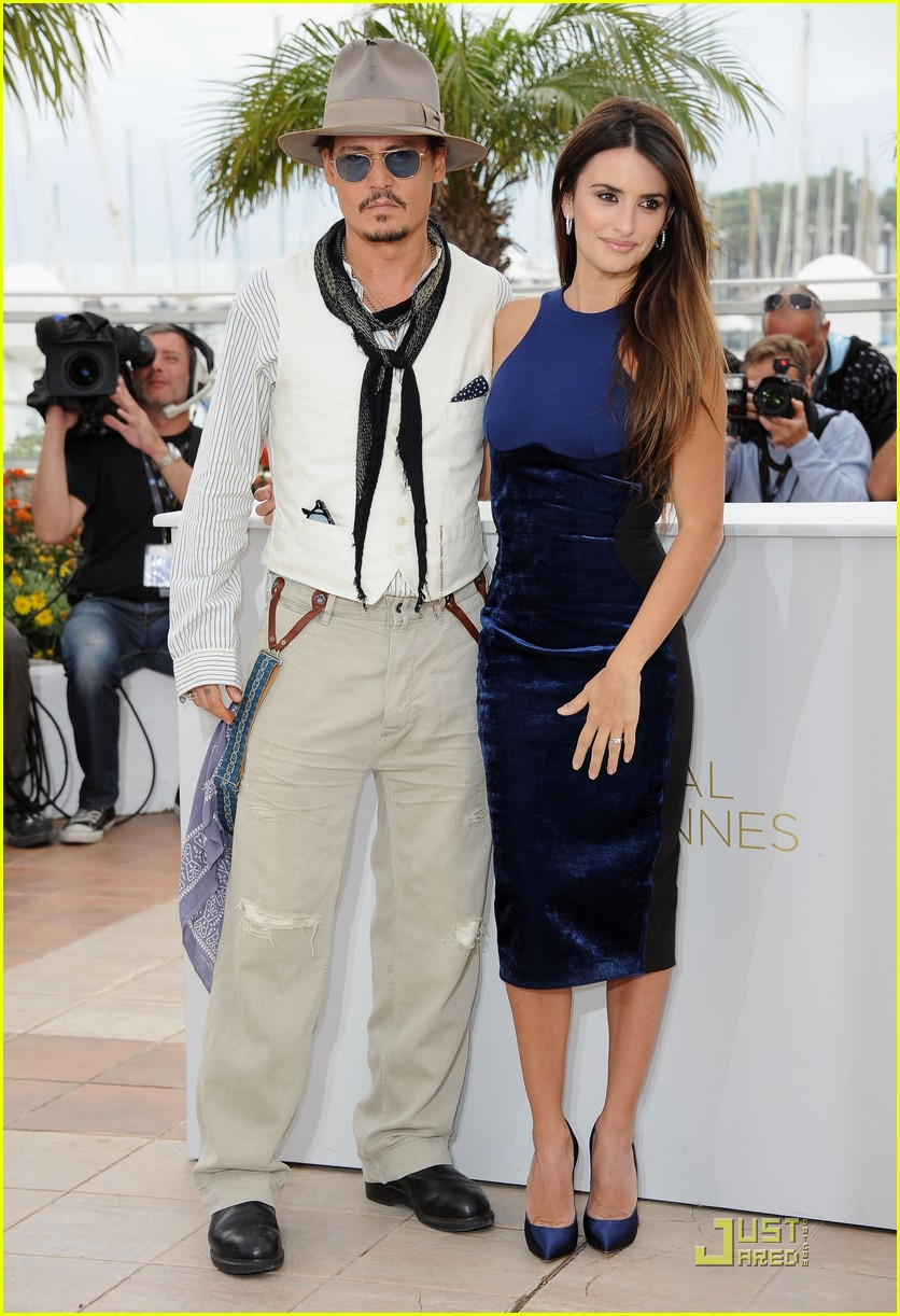 penelope cruz johnny depp pirates cannes 01