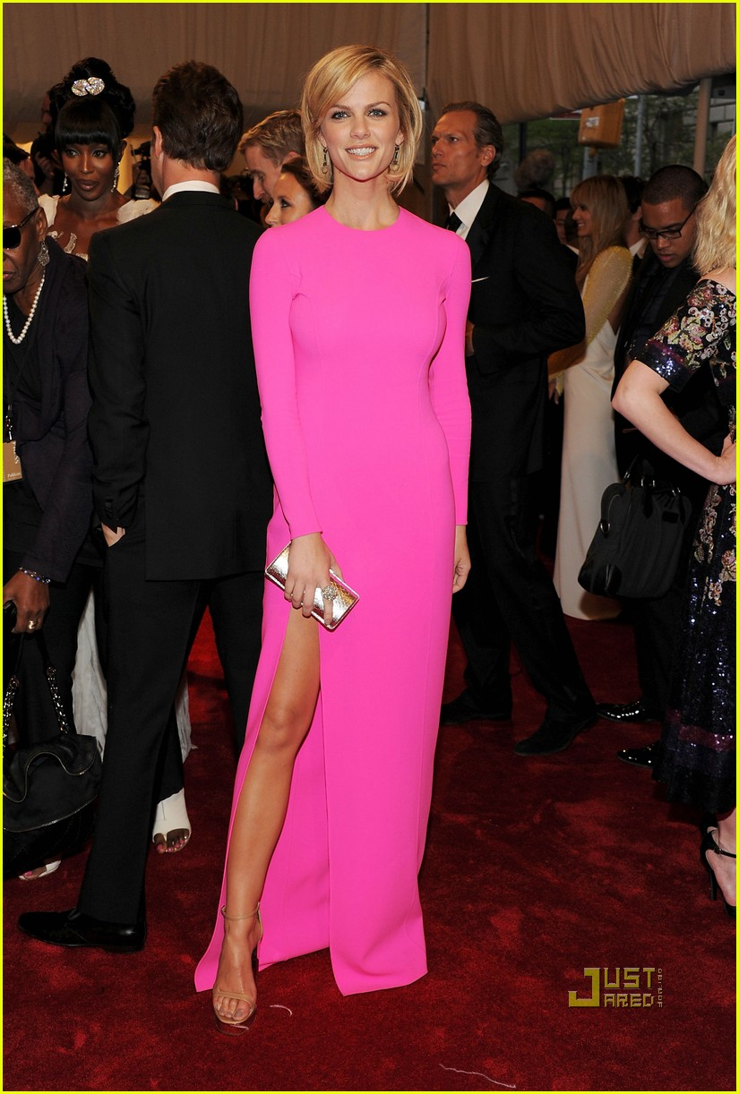 brooklyn decker met ball 2011 02