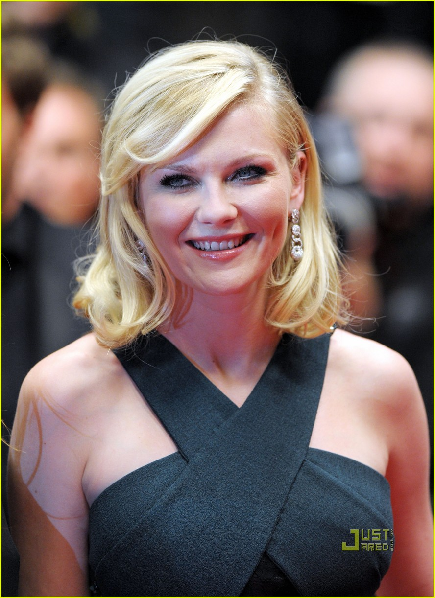 kirsten dunst melancholia premiere cannes 03